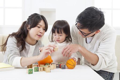 Hãy dành thời gian chơi cùng con