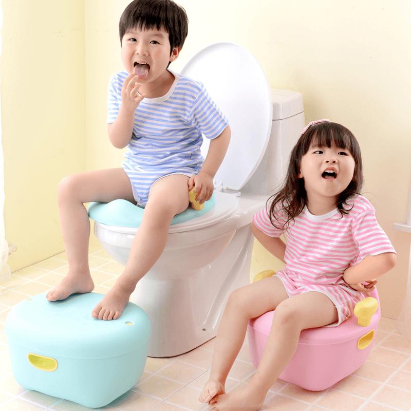 Dạy con tự lập bằng cách cho trẻ tự đi vệ sinh